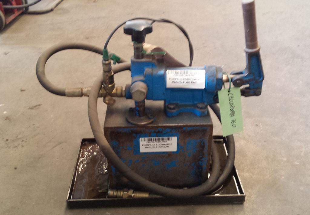 Pompa usata manuale oleodinamica usato cbl utensileria for Pressa idraulica manuale usata