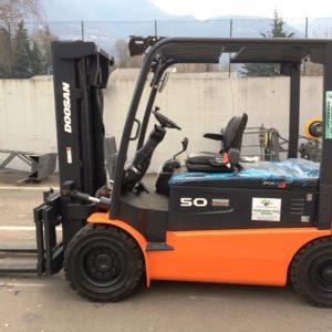 MULETTO FRONTALE ELETTRICO DOOSAN MOD. B50X-5 NUOVO (Copia) - Muletti usati Diesel,Benzina ed Elettrici a Bergamo e Brescia