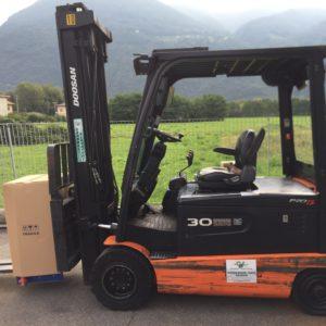 MULETTO USATO ELETTRICO DOOSAN MOD B30X-5 (Copia) - Muletti usati Diesel,Benzina ed Elettrici a Bergamo e Brescia
