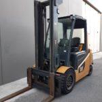 carrello-elevatore-usato-elettrico-caterpillar-ep40 (1)